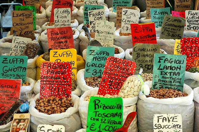 Market Selling Nuts & Seeds